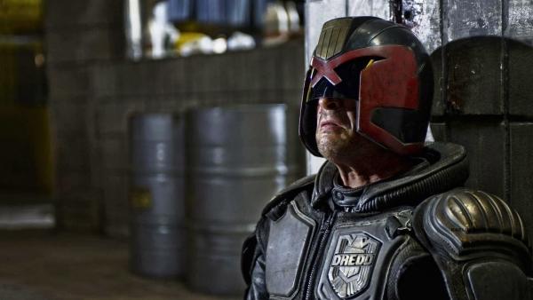 Karl Urban bijna terug voor 'Judge Dredd'-serie