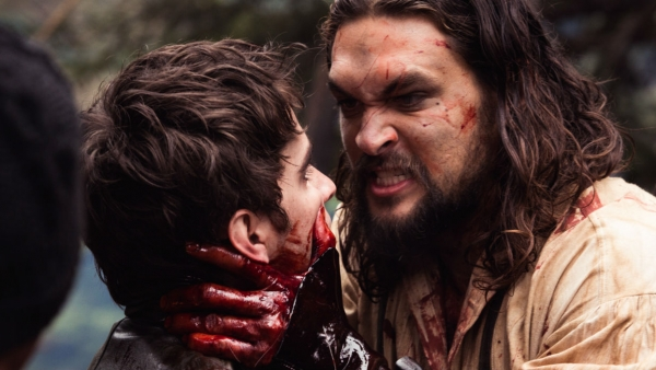 Woeste Jason Momoa in 'Frontier'-trailer