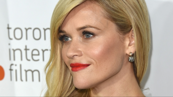 Reese Witherspoon maakt 'Tiny Beautiful Things'