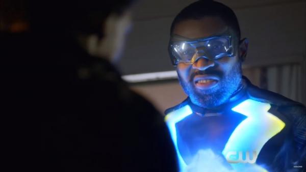 Flitsende trailer DC-serie 'Black Lightning'