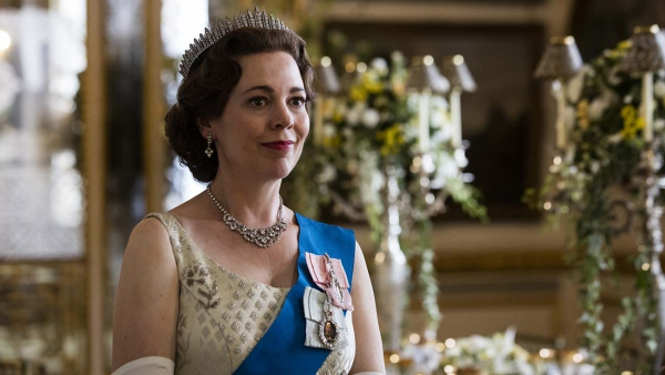 Eerste foto's baby Prins William in 'The Crown'!
