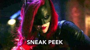 'Elseworlds' clip Batwoman